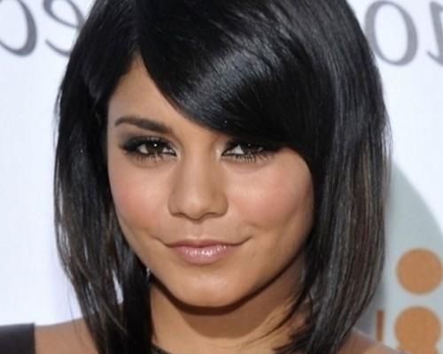 Chic Medium Length Hairstyle