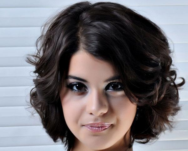 Cute Hairstyles For Short Curly Hair Hairstyle Pics Sophie