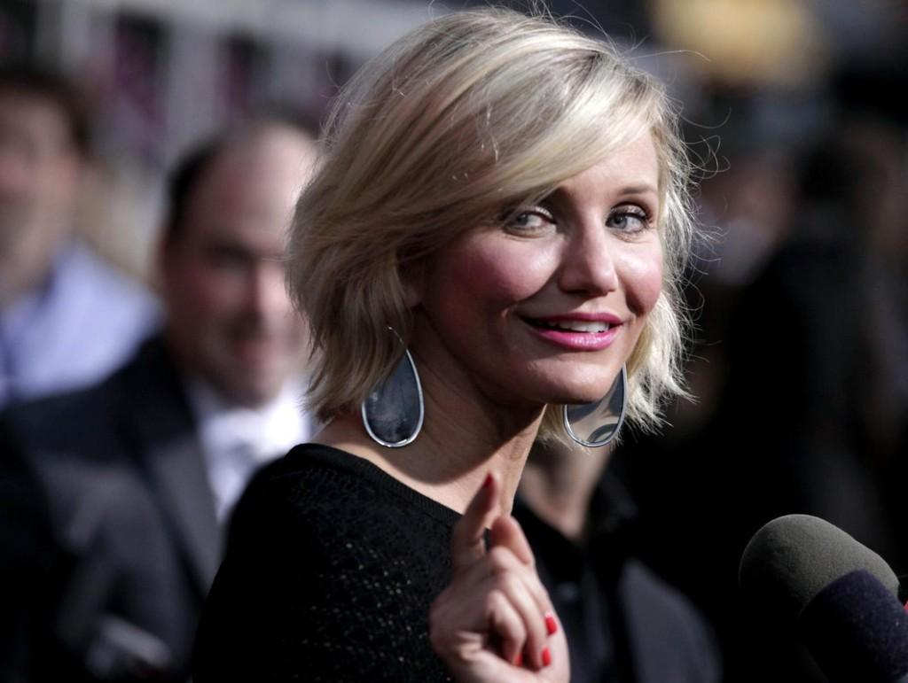 Diaz Short Hairstyles Blonde Hair Color Stright