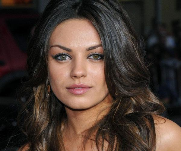 Long Hairstyles Trends For Round Faces