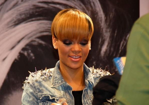 Rihanna Short Hairstyles Bangs