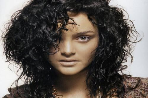 Short Curly Haircutsround Faces Hair Trendstrends Hairstyles