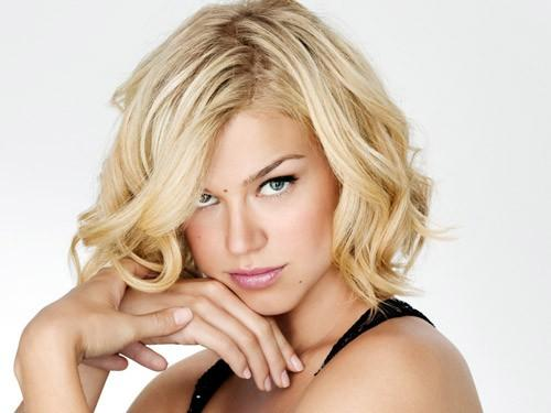 Short Hairstyles For Square Faces Wavy Hair